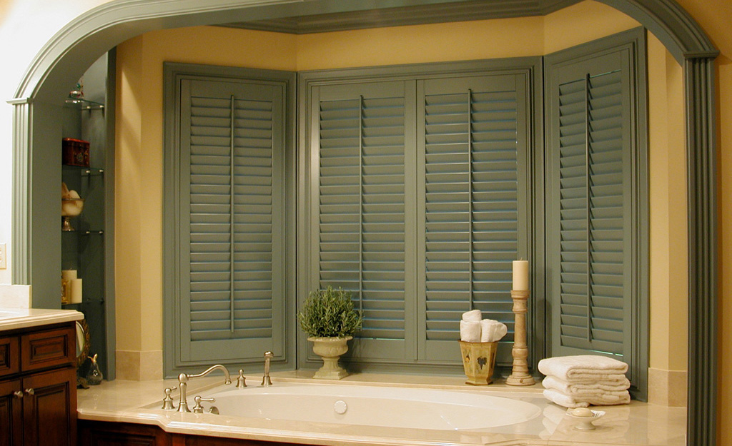 St Louis Plantation Shutters Outside Mounted L Frame